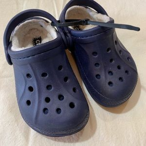 Insulated Toddler Crocs, Size 7
